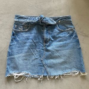 PAIGE Alethea Raw Hem Mini Denim Skirt